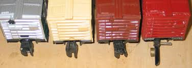 American Flyer vs Lionel Couplers